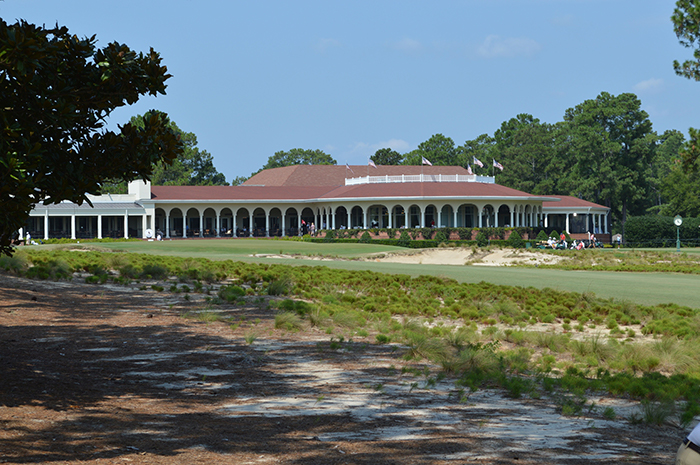 hole 18 on pinehurst number 2